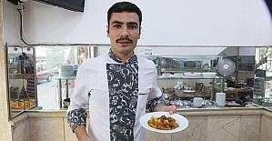 Burhaniye'de Samet Uzun diplomalı aşçı oldu