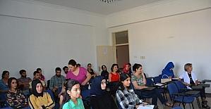 DÜ'de toplumsal hayat ve hukuk konulu konferans verildi