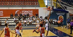 Düzce Belediyespor'da galibiyet sevinci