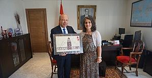 Ebru sanatını bu kez Tunus'ta tanıttı