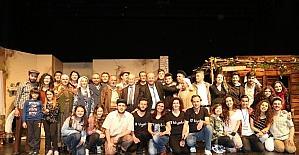 Efeler Belediyesi tiyatro tutkunlarını bekliyor