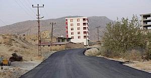 Hani'de köy grup yolları asfaltlanıyor