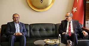 İran ile ticarette 30 milyar dolar hedefini gerçekleştirecek adımlar