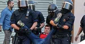 İspanya polisi, Katalonya'da hükümet kurumlarına baskın düzenledi