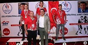 Kağıtsporlu boksör, uluslararası turnuvada 2. oldu