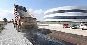 Kardeşköy Mahallesindeki toprak yollar asfaltlanıyor