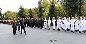 Korgeneral Rama'dan Orgeneral Akar'a ziyaret
