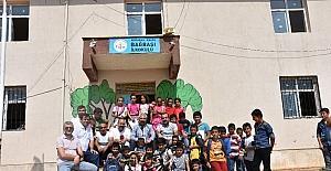 Narinceliler Derneğinden bin öğrenciye kırtasiye yardımı