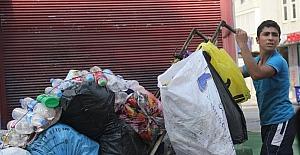 Suriyeli çocukların çöpten ekmek arayışı