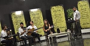 Şiir yorumcusu Nusret Dağ yine sahnede