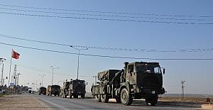 Sınıra askeri araç sevkiyatı devam ediyor