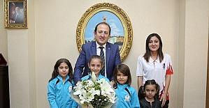 Spor İl Müdürlüğü Jimnastik takımı, Vali Pehlivan'ı ziyaret etti
