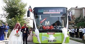 Tanıştıkları otobüs düğün araçları oldu