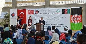 Türkçe ve meslek edindirme kurslarını bitiren Afgan öğrenciler sertifikalarını aldı