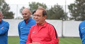 Yücel İldiz Eskişehirspor'un başında ilk antrenmanına çıktı