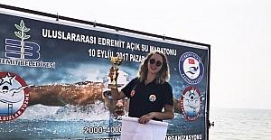 Yüzme maratonunda Adanalı Ece Turgut birinci oldu