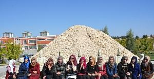 Adıyaman Üniversitesi çadırkent öğrencilerini ağırladı