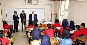Ağrı Milli Eğitim Müdürü Turan okulları denetledi