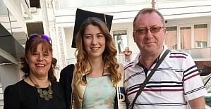 Aile boyu aynı üniversiteden mezun oldular