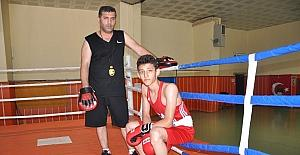 Baba-oğul boksta yılın 'en' iyileri oldular