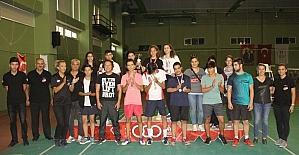 Cumhuriyet Bayramı 19 Yaşaltı Badminton Müsabakaları sona erdi