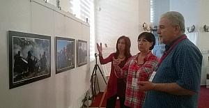 Efeler'de karma fotoğraf sergisi ilgi gördü