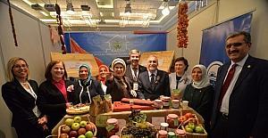 Emine Erdoğan'dan Kayseri standına ilgi