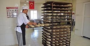 Erciş Belediyesinden vatandaşa ucuz ekmek