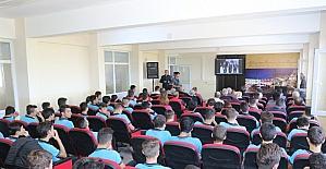 İzzetbegoviç, Akhisar'da isminin verildiği okulda anıldı