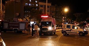 Kahveye av tüfeğiyle ateş ederek bir kişiyi yaralayan saldırgan polislere direndi