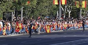 Katalonya'nın özerkliği İspanya askısına alındı
