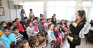 Konak'ta okulda tiyatro keyfi başladı