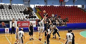 Manisa BBSK basketbol takımı 5'te 5 yaptı