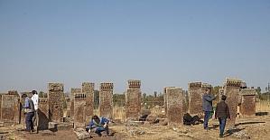 Selçuklu Mezarlığında ilk kez görülen motifler dikkat çekti