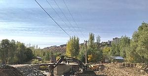 Selde yıkılan yaya köprüsü inşaatına başlandı