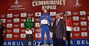 Uluslararası Cumhuriyet Turnuvası'nın coşkusu Sancaktepe'de yaşandı