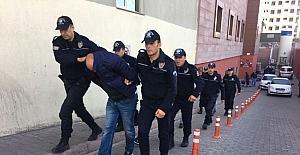 Uyuşturucudan gözaltına alınan 4 kişi adliyeye sevk edildi