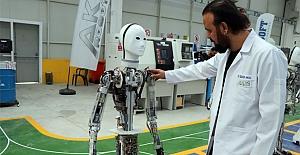 Yerli insansı robot Akıncı seri üretime başladı