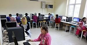 Yozgat'ta köy okullarına teknoloji sınıfı kurulmaya devam ediyor