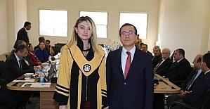 Yükselen akademisyenlere cübbeleri giydirildi