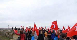 18 Kasım kurtuluş köprü yürüyüşü yapıldı.