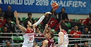 2019 FIBA Dünya Kupası Avrupa Elemeleri: Türkiye: 37 - Letonya: 34 (İlk yarı)