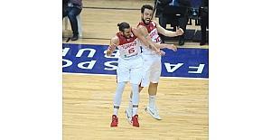 2019 FIBA Dünya Kupası Avrupa Elemeleri: Türkiye: 85 - Letonya: 73 (Maç sonucu)