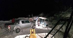 20 saat karda mahsur kalan 3 arkadaş kurtarıldı