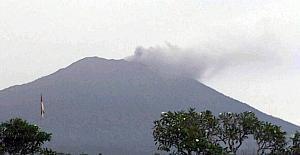 Agung Yanardağı, yeniden faaliyete geçti