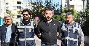 Antalya'da 4 kişiyi silahla vuran şahıs tutuklandı