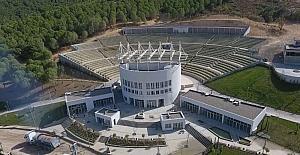 Büyükşehir'den Burhaniye'ye 5 bin kişilik amfitiyatro