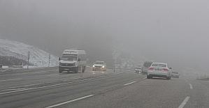 Denizli-Antalya karayolunda ulaşıma kar ve yoğun sis engeli