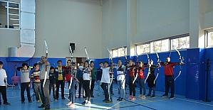 Ereğli ilçesinde okçuluk öğrenen sporcular destek bekliyor