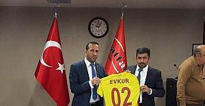 Evkur Yeni Malatyaspor - Beşiktaş maçı öncesinde taraftarlara çiğ köfte dürümü dağıtılacak
